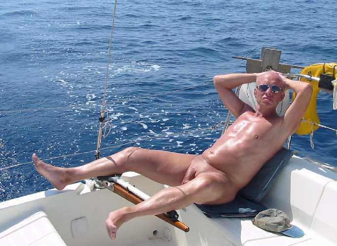 nude sailing vacation